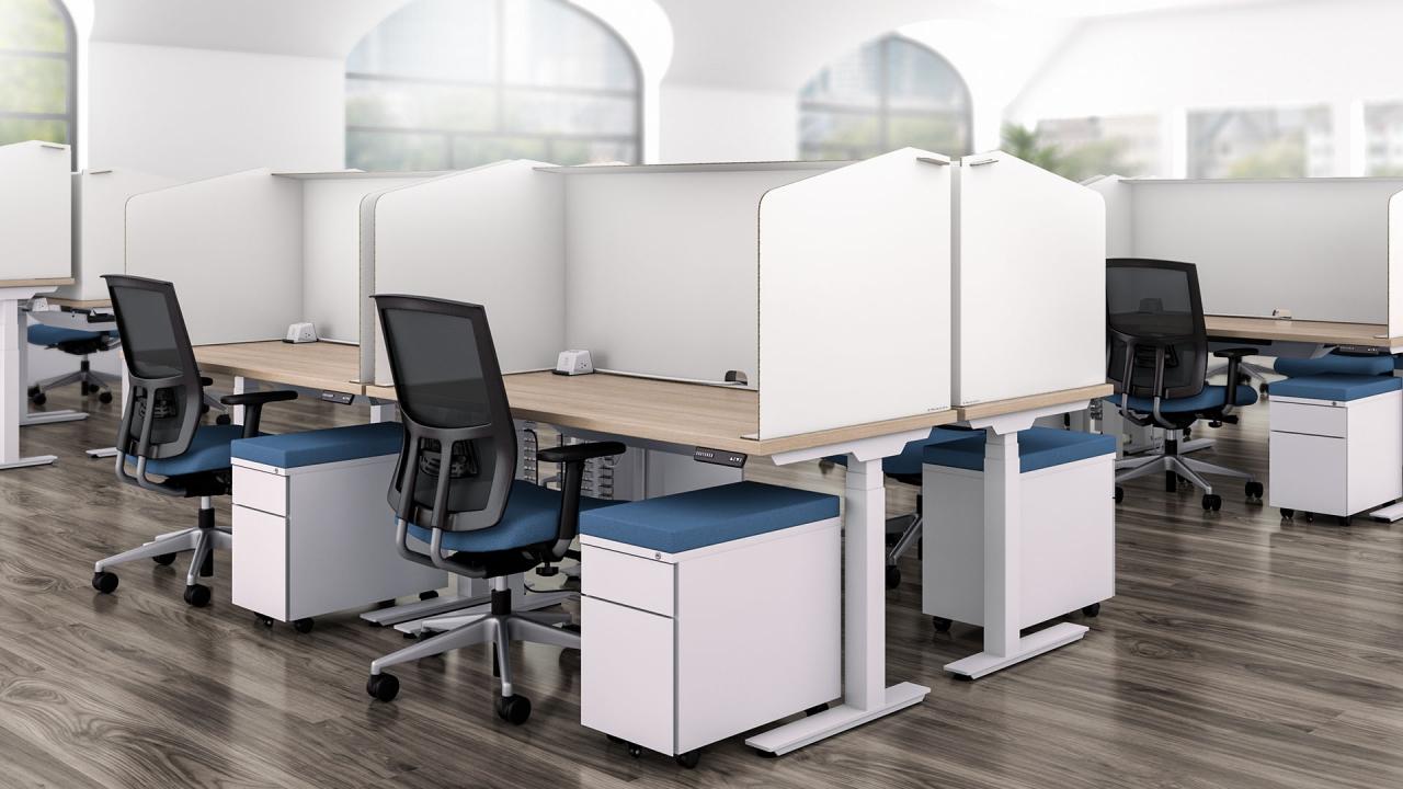 lắp đặt bàn làm viêc đứng cho văn phòng