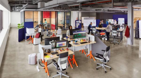 Lắp đặt bàn làm việc tùy chỉnh cho văn phòng