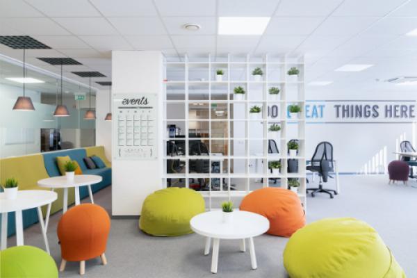 Lắp đặt nội thất văn phòng làm việc hợp tác