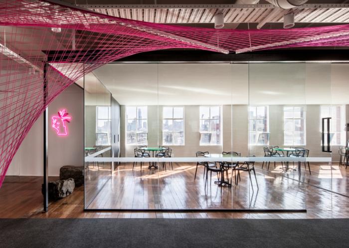 Tham khảo sử dụng vách kính trong thiết kế văn phòng