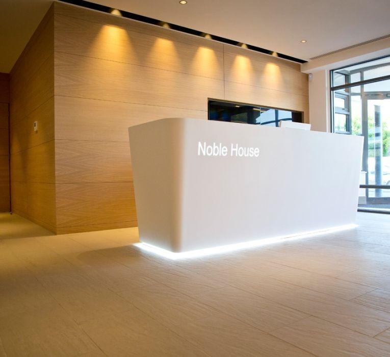 thiết kế thi công nội thất khu vực lễ tân văn phòng