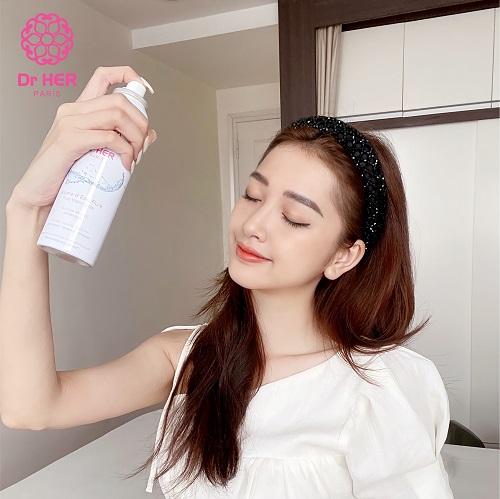 Sử dụng xịt khoáng trong Makeup chuẩn Beauty Blogger 2