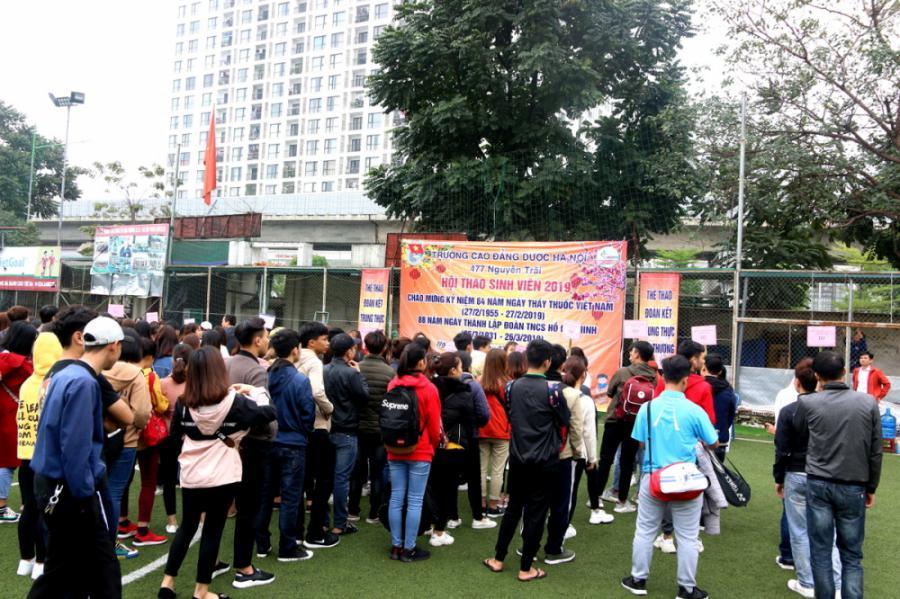 Hội thao sinh viên - Môn kéo co - nhảy bao bố