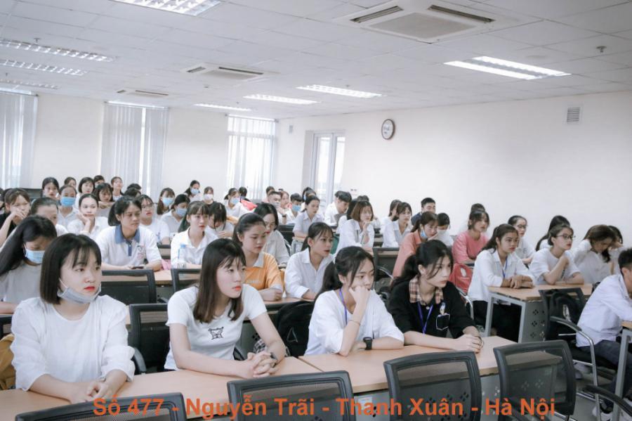 Buổi học đầu khoá của Tân sinh viên năm 2020