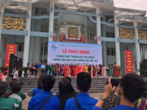 Sinh viên tham gia hưởng ứng phong trào