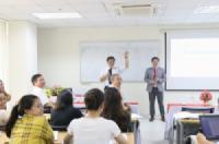 Hướng nghiệp và tư vấn việc làm cho sinh viên Y - Dược