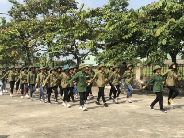 Học quân sự đầu khóa