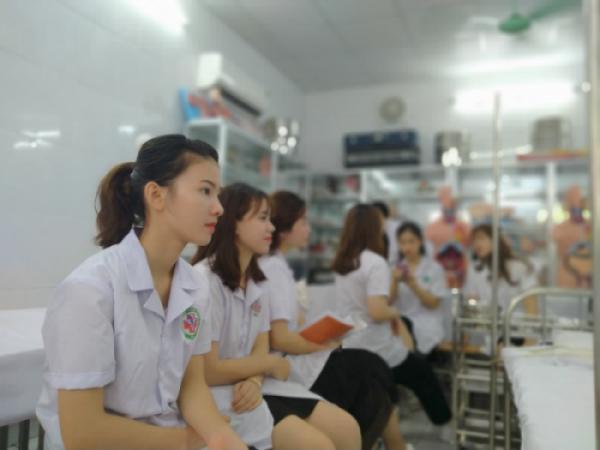 Báo nhân dân: Ngôi trường mang tên đại danh y, thiền sư Tuệ Tĩnh
