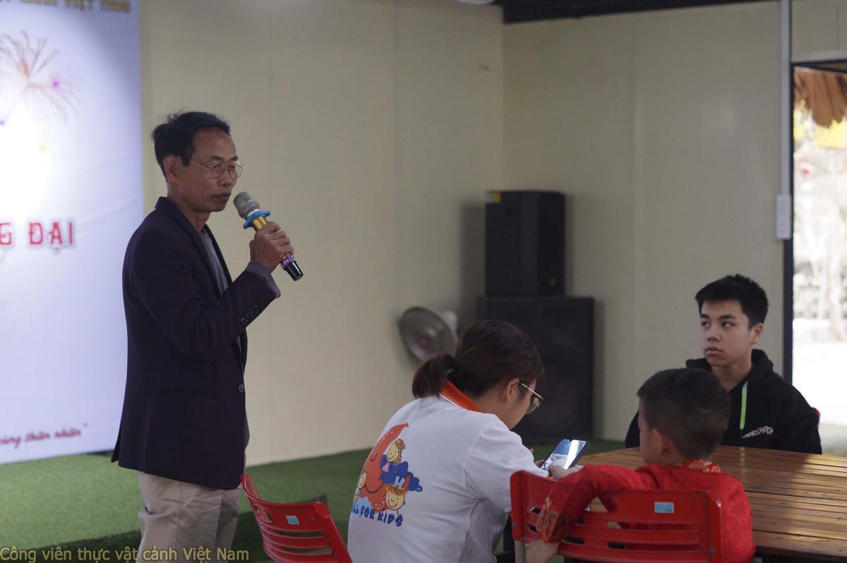 Chuyên gia Đào Mạnh Hùng hướng dẫn các bé cách trồng và chăm sóc cây