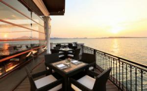 {SIÊU RẺ} Voucher phòng ngủ tại Vinpearl Hạ Long Bay Resort 2N1Đ - Deluxe Room + Ăn 3 bữa (Cao điểm cuối tuần)