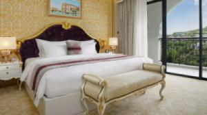 {SIÊU RẺ} Voucher phòng ngủ tại Vinpearl Nha Trang Golf Land Resort & Villas - Deluxe Ocean View 2N1Đ + Ăn Sáng + Vui chơi không giới hạn tại Vinpearl Land (Thấp điểm)