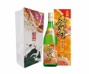 Rượu sake vẩy vàng Kinpaku 1,8 lít