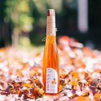 Rượu mơ má đào Sapa