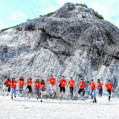 Du lịch Hòa Bình: Thung Khe gây sốt với ngọn