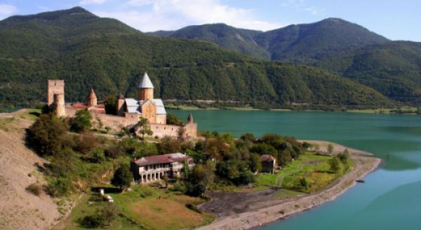 CUNG ĐƯỜNG HUYỀN THOẠI AZERBAIJAN-GEORGIA (GRUZIA)