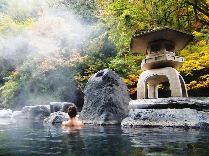 Tìm hiểu về tắm Onsen Nhật Bản