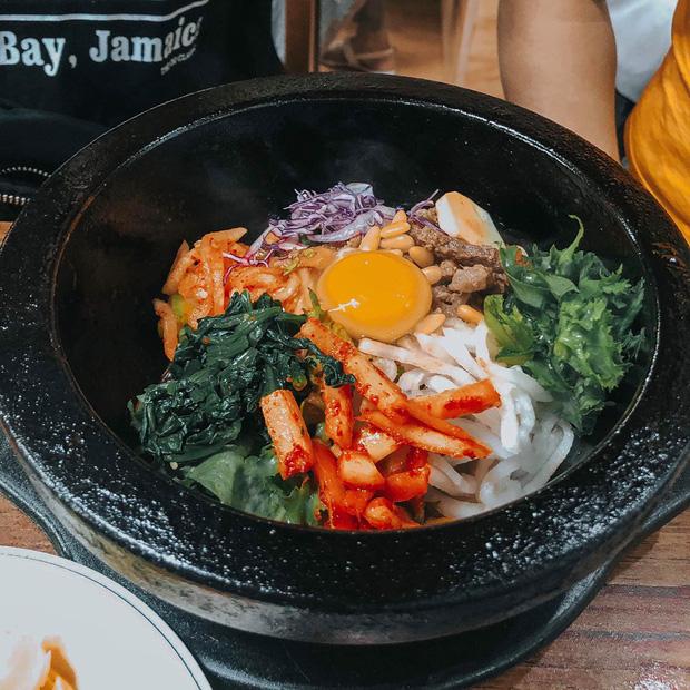 """""""Ăn thật nhiều vào"""" và chuyện đi Hàn để ăn cả thế giới của cô gái 9x"""