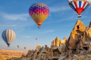 Đến Cappadocia, bay khinh khí cầu ngắm thành phố ngầm đẹp nhất thế giới