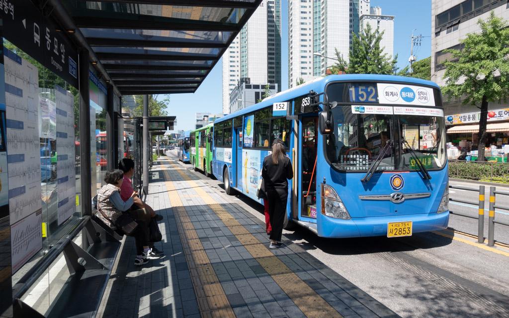 """Những tips đi xe bus ở Hàn Quốc mà bạn cần """"thuộc nằm lòng"""""""
