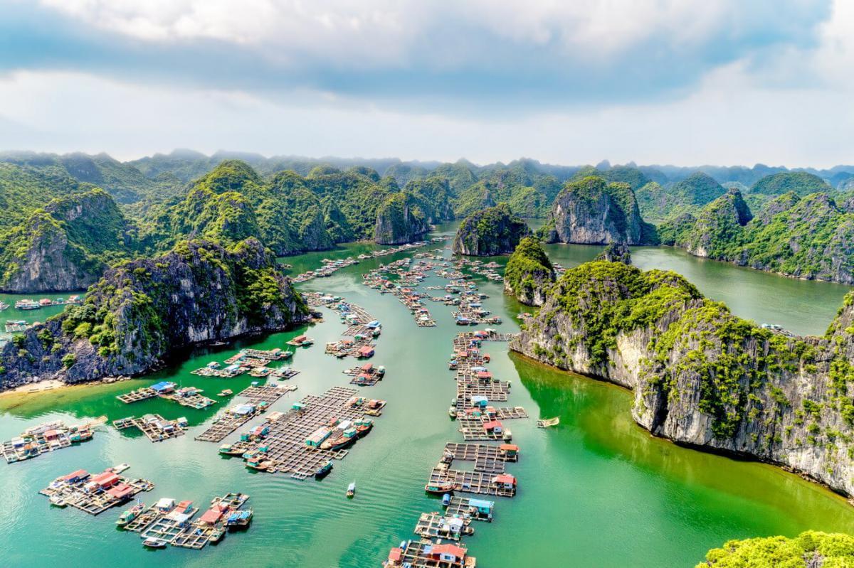 Hè này đừng quên ghé vịnh Lan Hạ - thiên đường biển siêu gần Hà Nội
