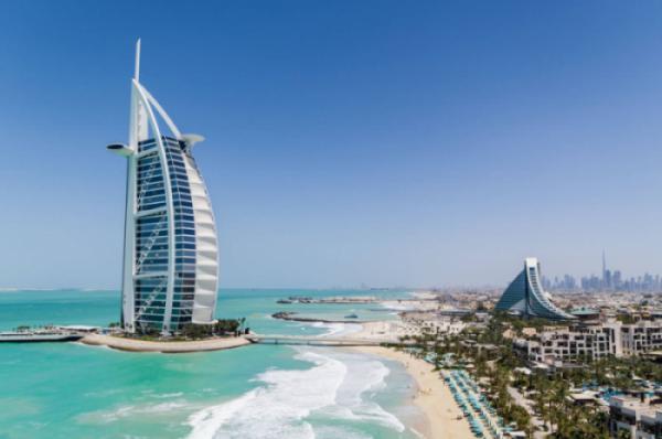"""""""Choáng"""" với khách sạn 7* dát vàng siêu sang trọng ở Dubai"""