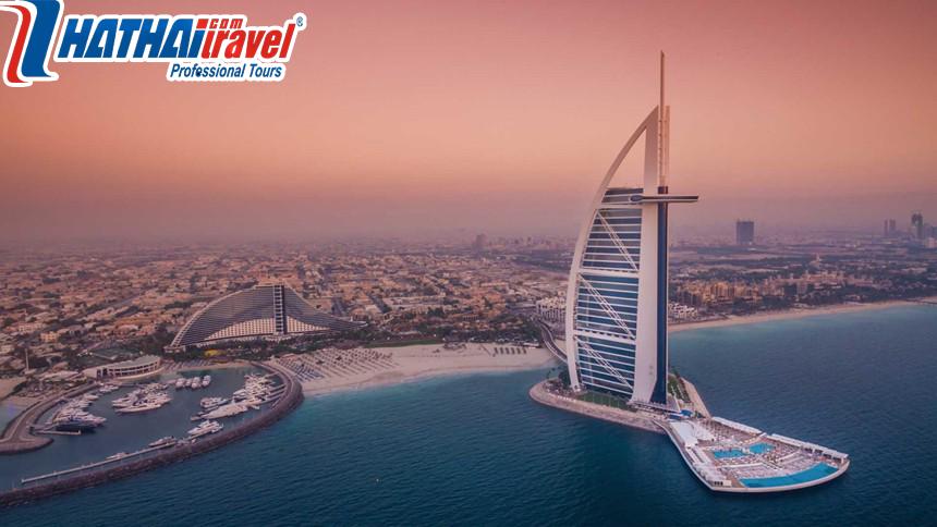 Khách sạn 7 sao hình cánh buồm Burj Al Arab