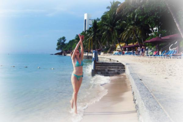 World___Thailand_Girl_on_the_beach_at_a_resort_in_Pratamnak_Pattaya__Thailand_061666_