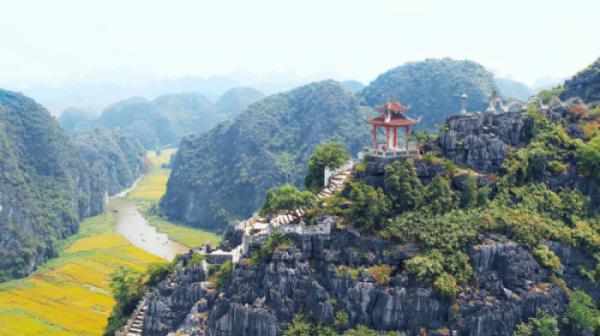 Incredible Hoa Lu - Tam Coc - Mua Cave 1 Day Tour