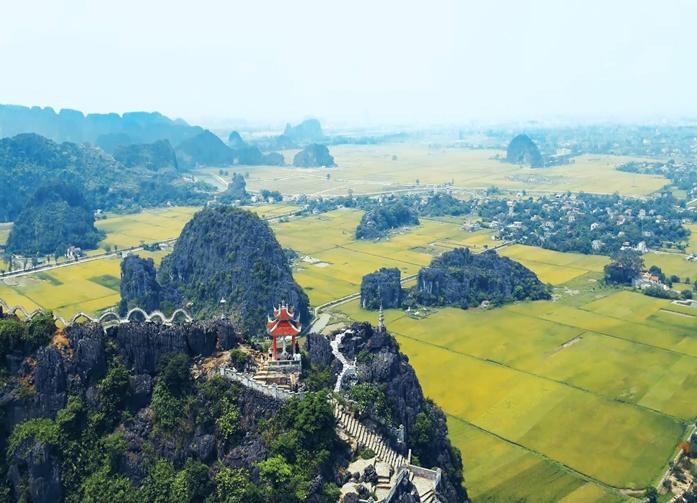 Amazing Trang An - Hoa Lu - Mua Cave 1 Day Tour